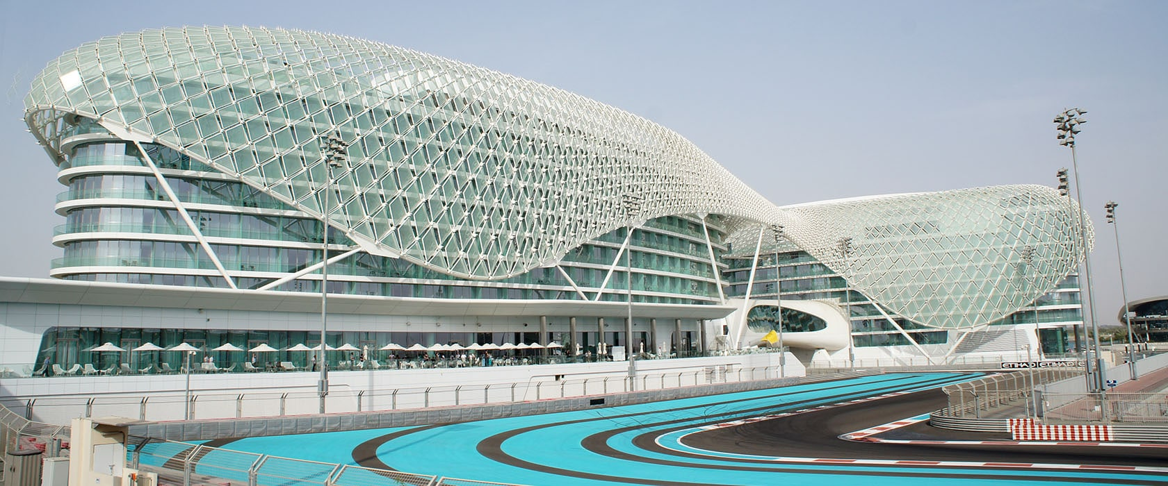 het yas marina circuit in abu dhabi alles over dubai. Black Bedroom Furniture Sets. Home Design Ideas