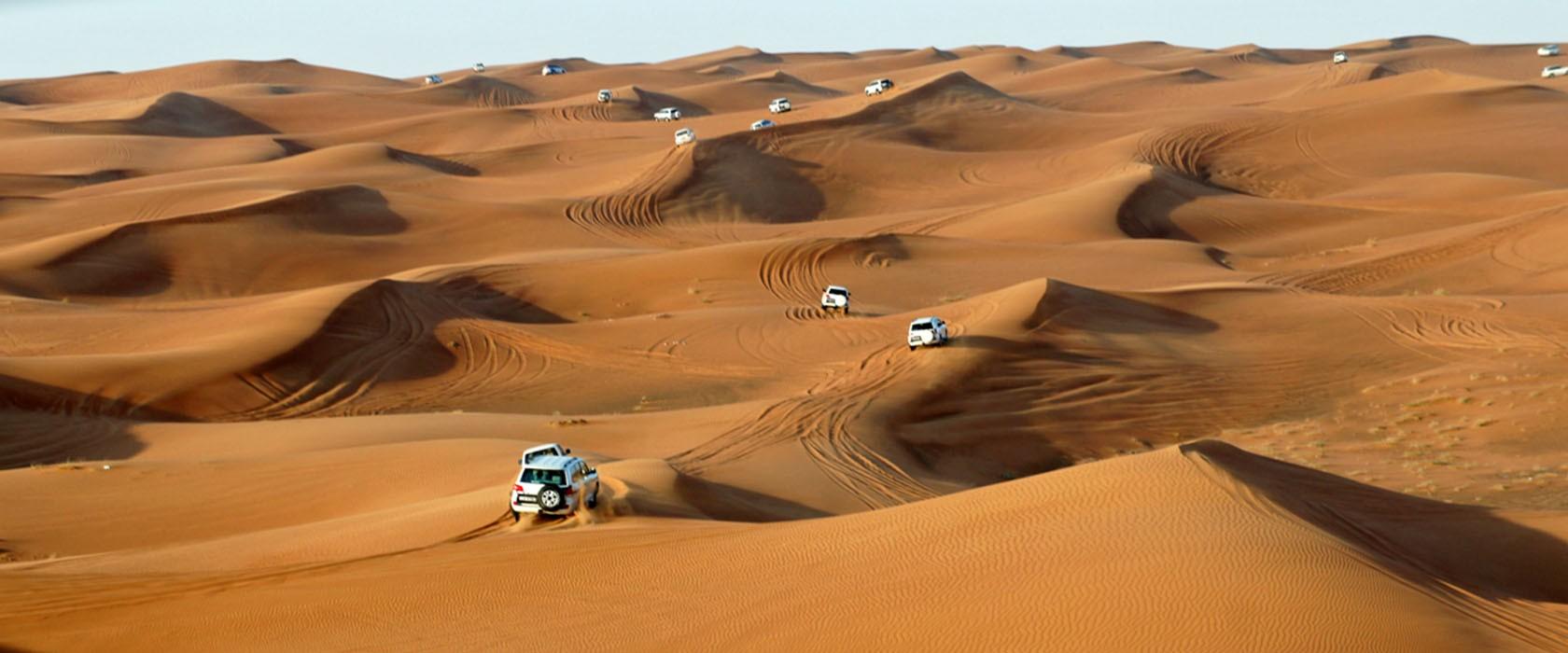 desert safari dubai 4x4 woestijntocht alles over dubai. Black Bedroom Furniture Sets. Home Design Ideas