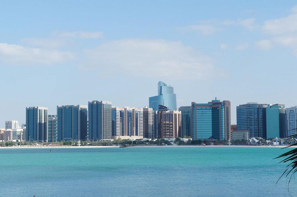 Vanuit Dubai naar Abu Dhabi reizen