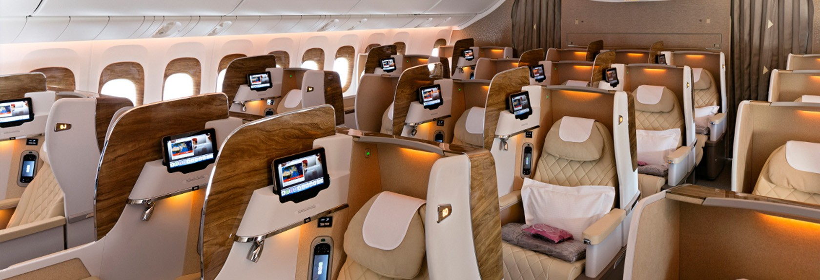 Alles over dubai de nederlandse reisgids over dubai for Interieur boeing 777