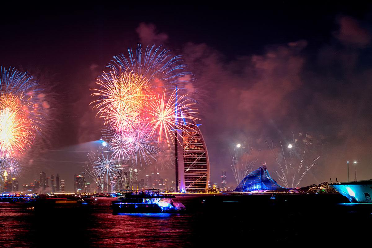 Oud en nieuw bij de Burj al Arab in Dubai